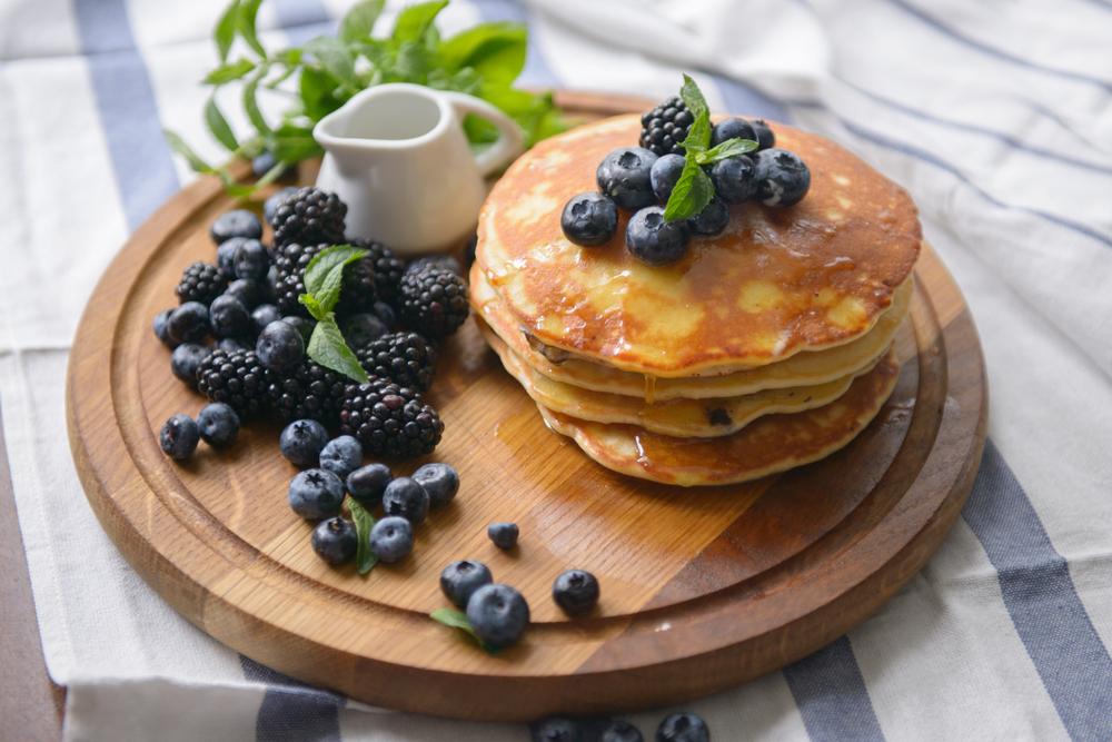 BLU – Pancake con mirtilli e more